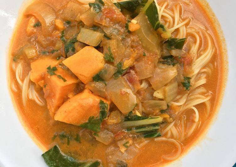 Red Curry Vegetable Noodle Soup