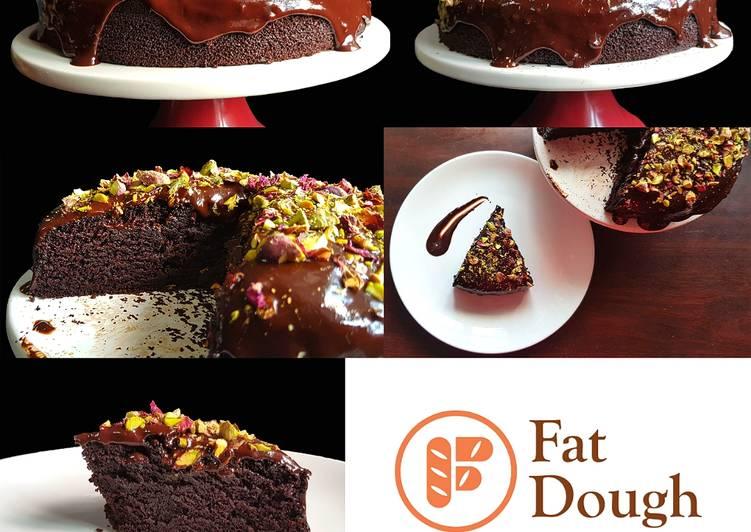 Nigella Lawson's Dark & Sumptuous Chocolate Cake