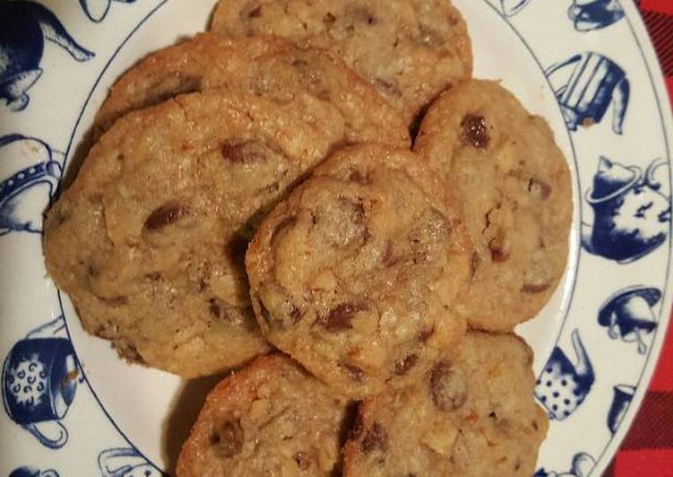 Chocolate chip cookies w/ walnut and coconut