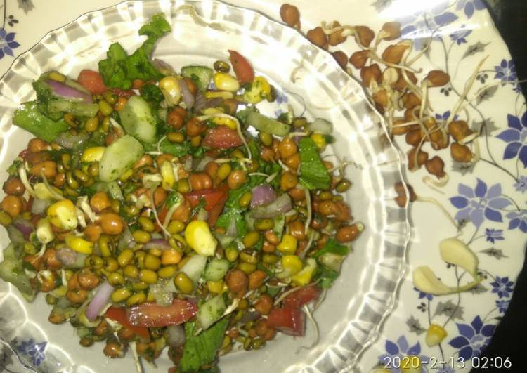 Sprouts corn salad with green chutney