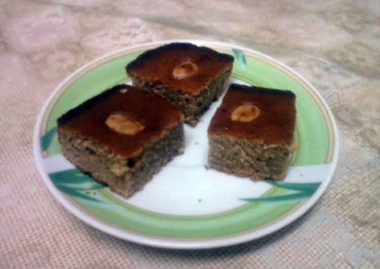 CARDAMOM-DATE SNACK CAKE