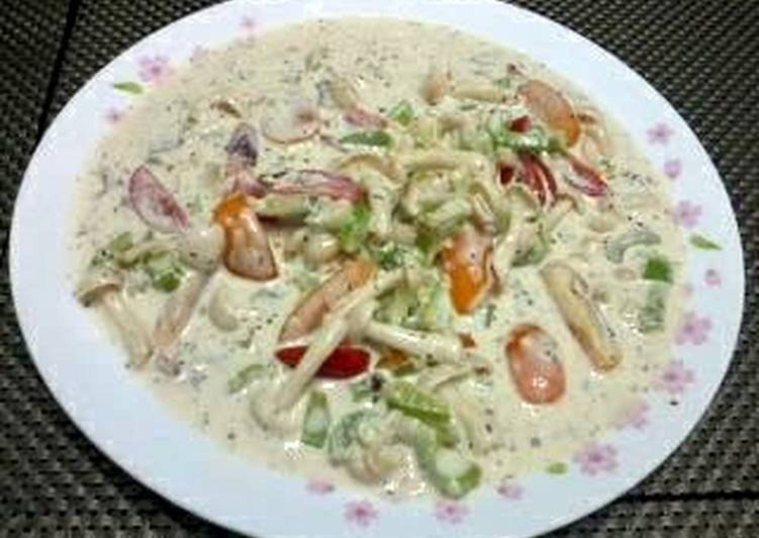 Salad In Garlic Cream Cheese Spread