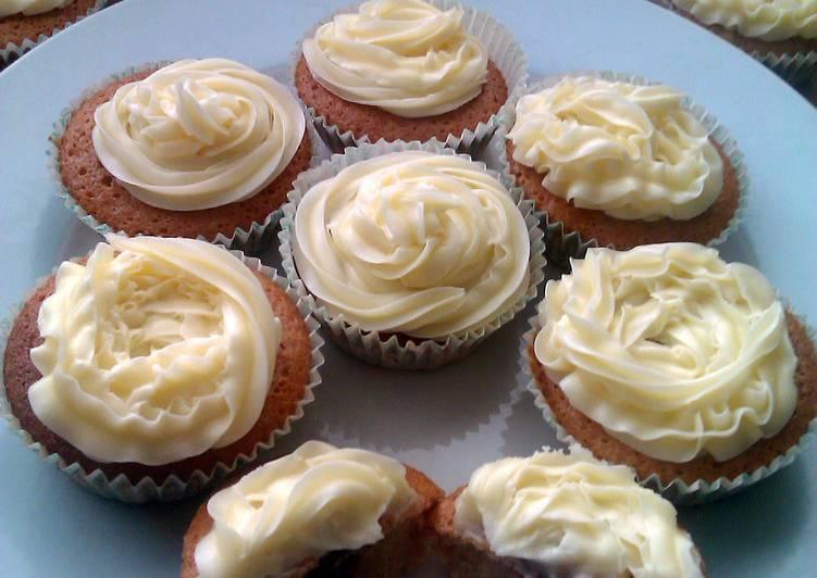 Vickys Jam & Custard Cupcakes, GF DF EF SF NF