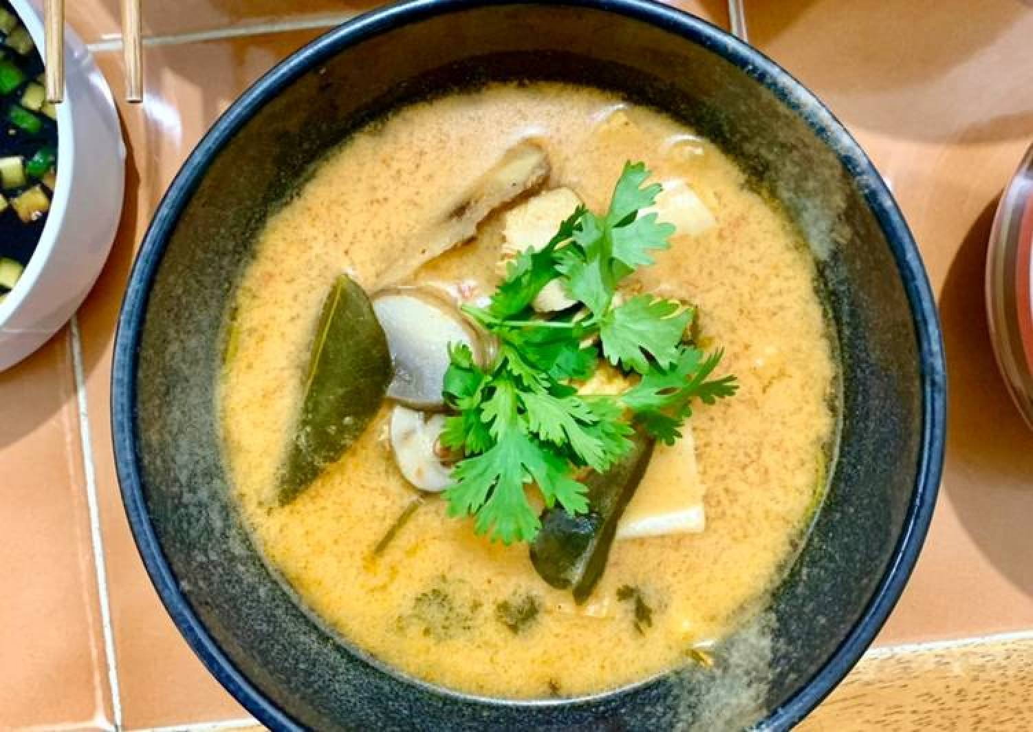 Chicken and Seafood Tom Yum