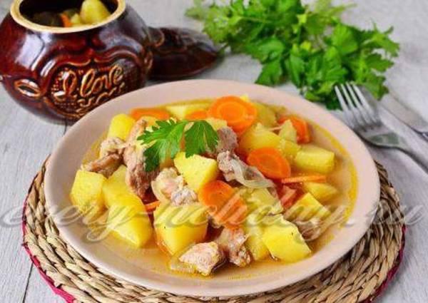 Жаркое в горшочках с мясом и картошкой в духовке ...