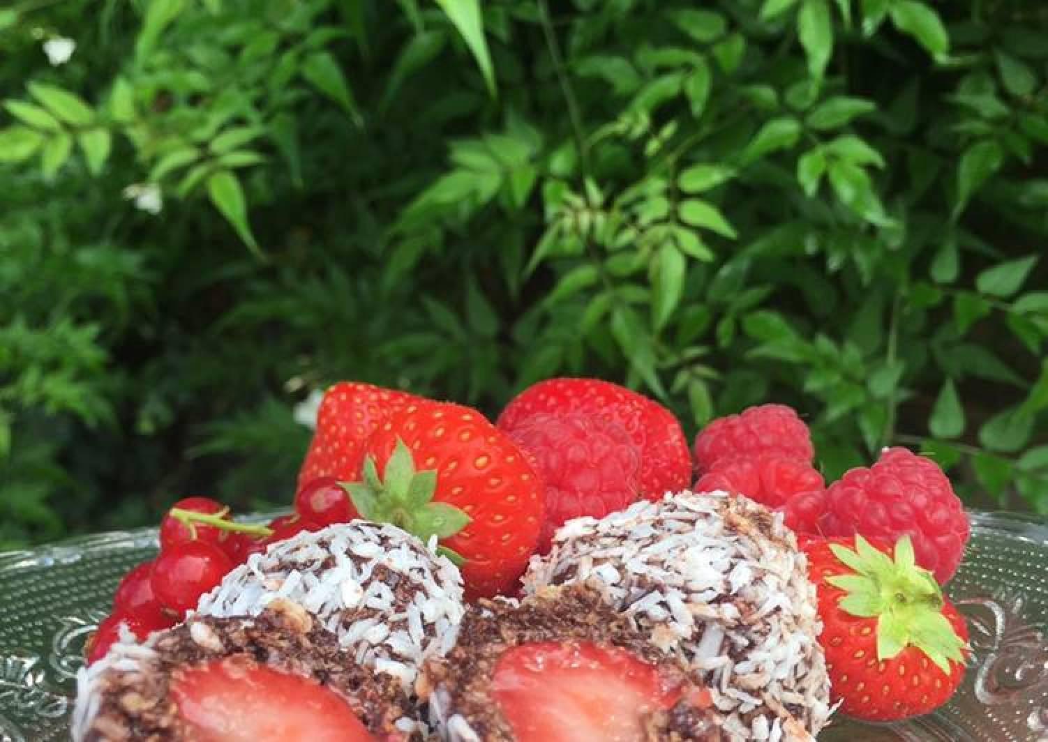 Strawberry Chokladbollar (vegan)