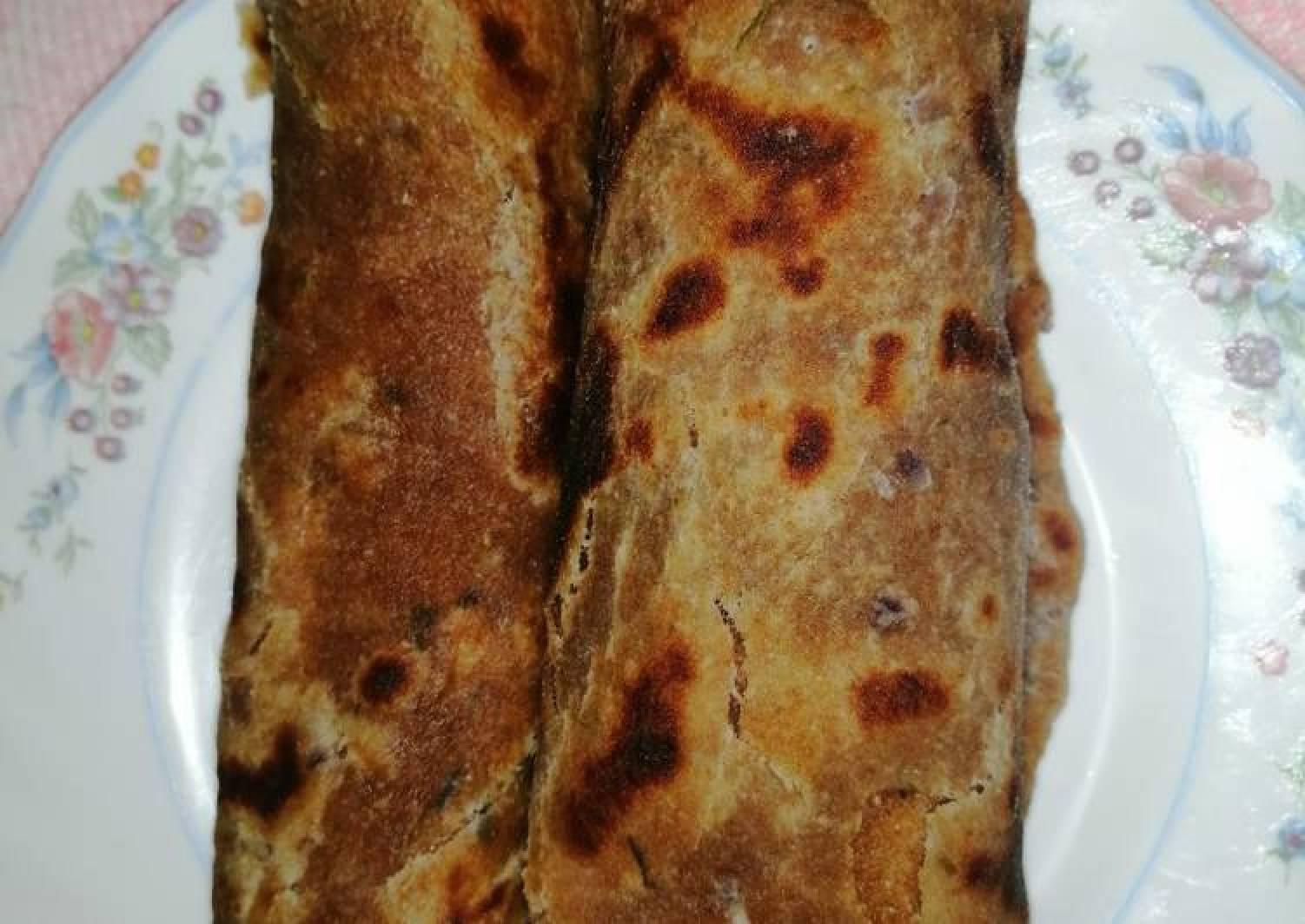 Wholegrain chapati with onion and coriander