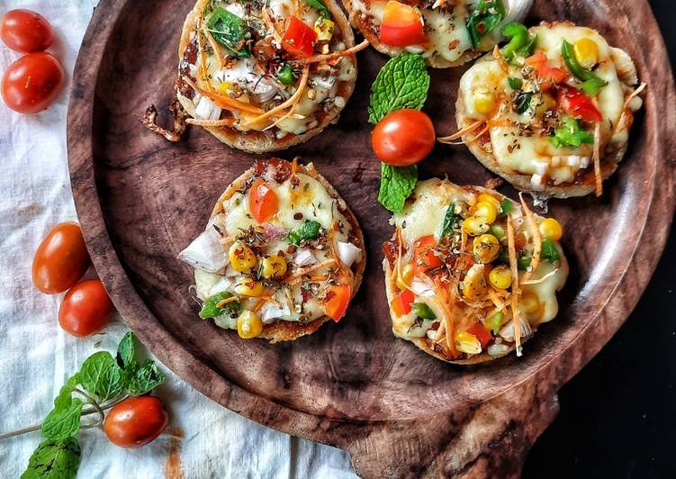 Mini Rava Veg PizzaTawa