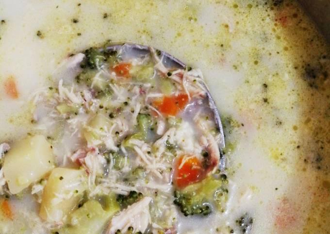 Recipe of Delicious Creamy Broccoli soup
