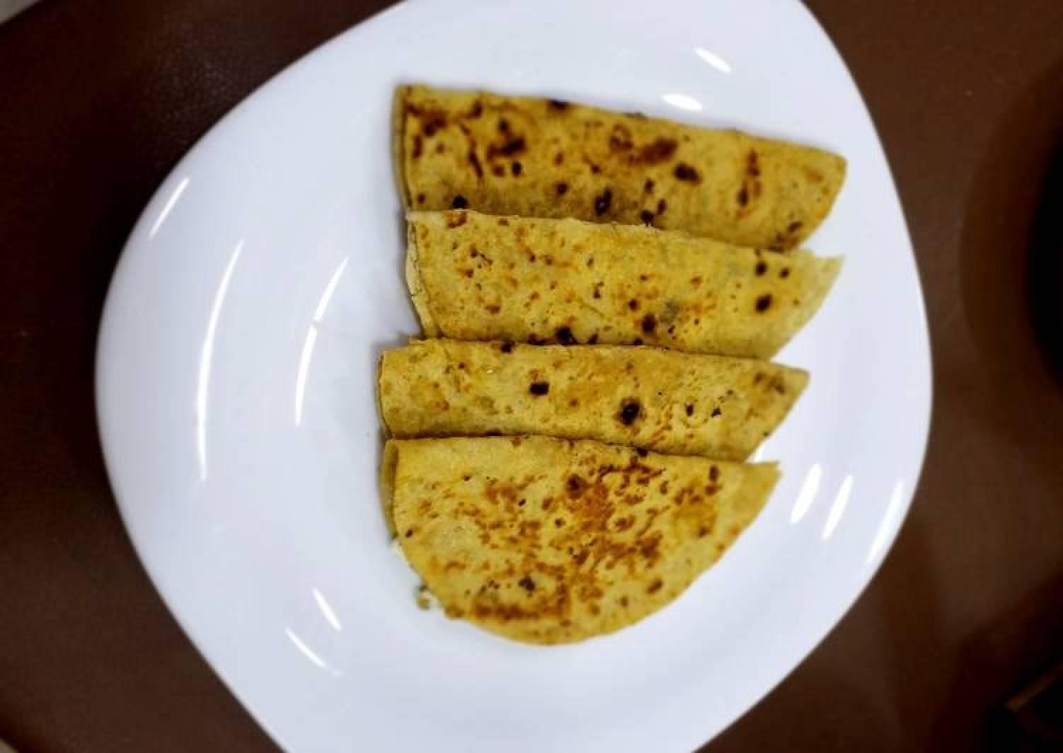 Rotli stuffed with Jibno and Mint Jibna Feta cheese Sudan