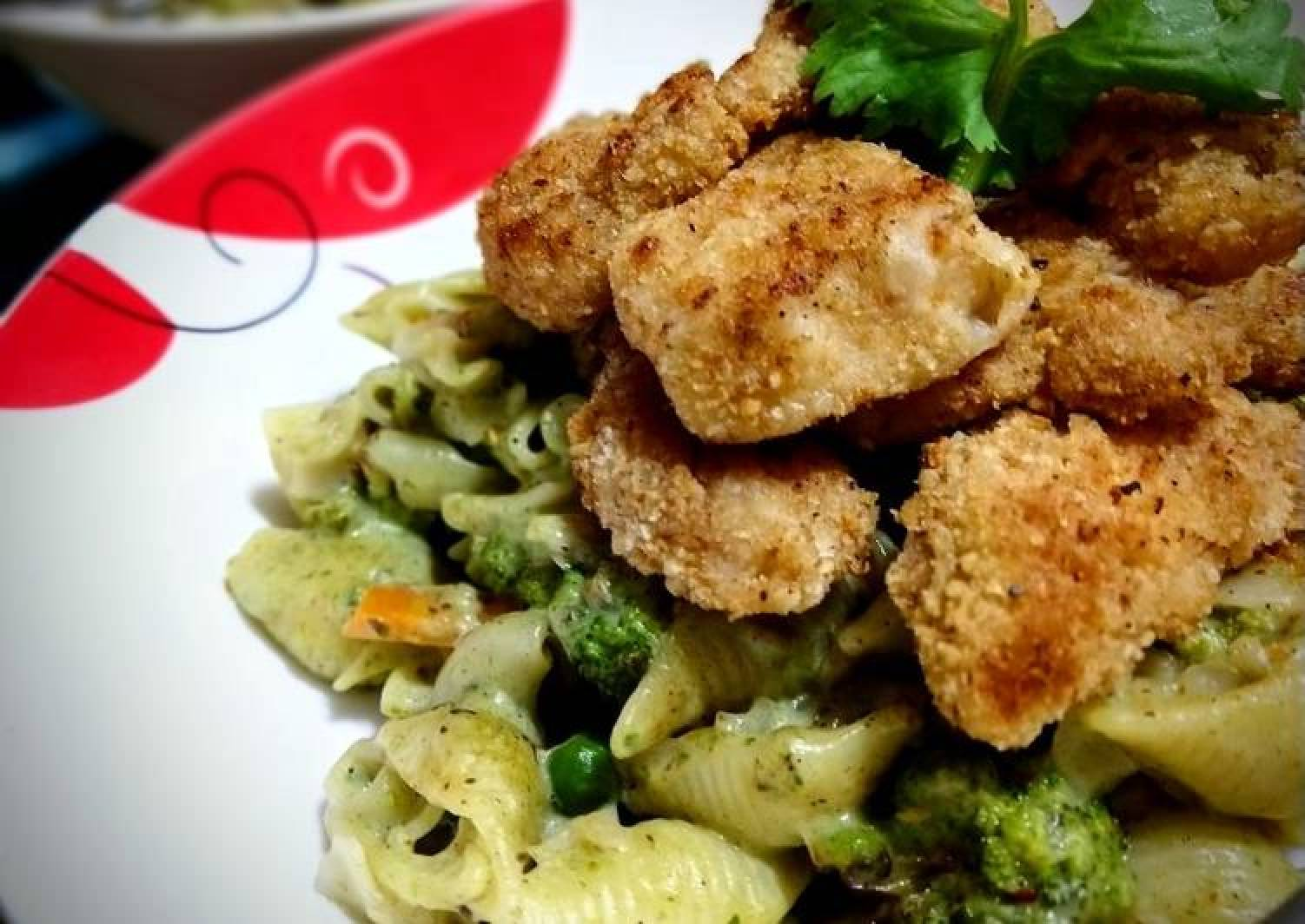 Spinach Pasta with Baked Chicken Nuggets