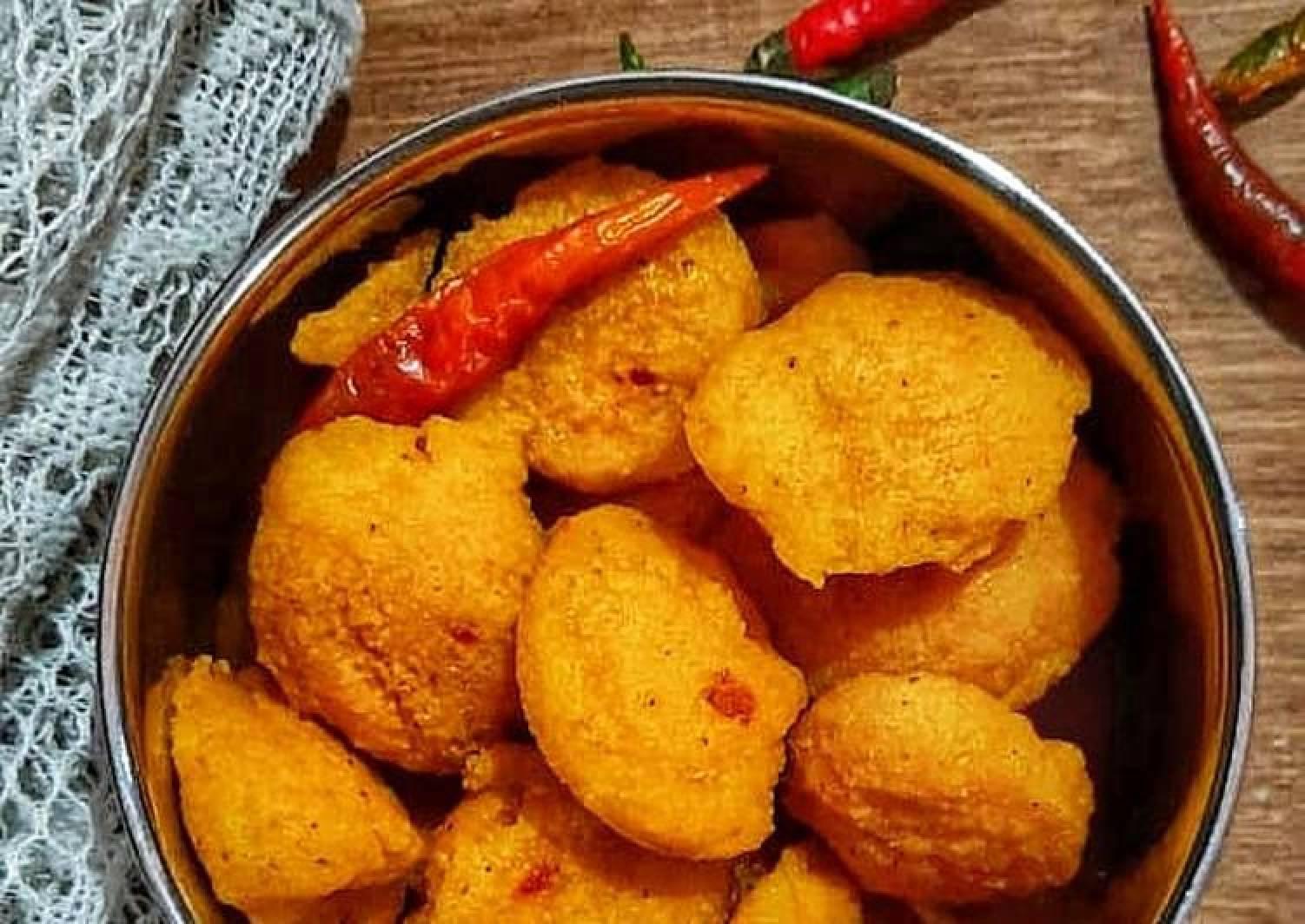 Musur Daler Bora/ Bengali style Lentil fritters