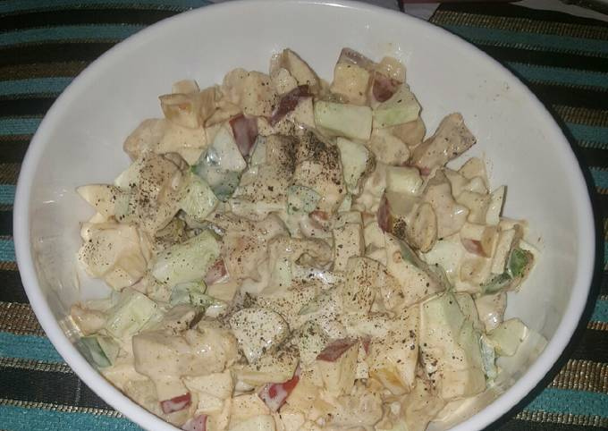 Recipe of Perfect Apple, cucumber and chicken salad