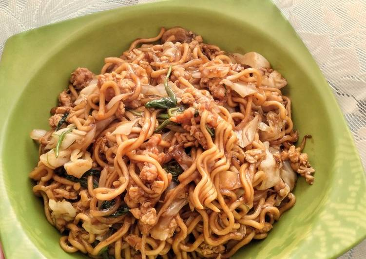 Mie Goreng Ayam / Minced Chicken Stir Fried Noodle
