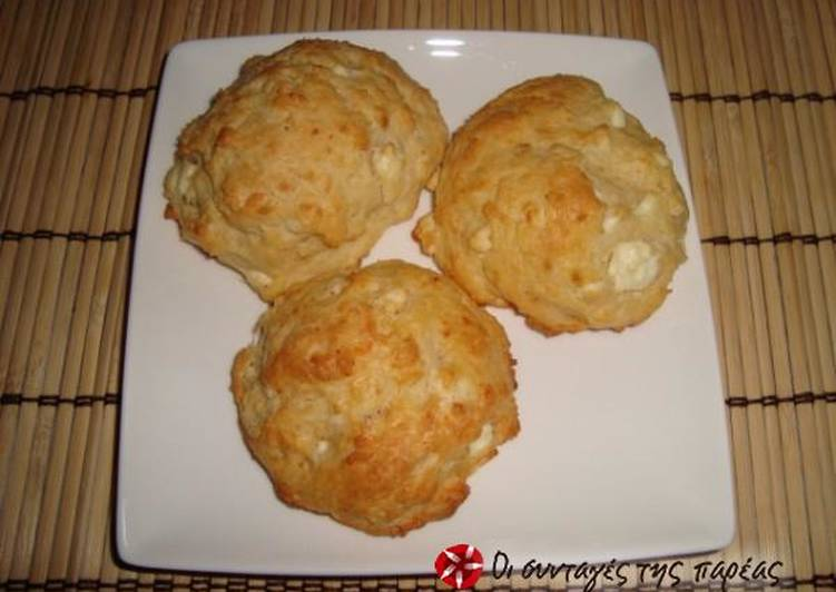 Mini cheese pies in an instant