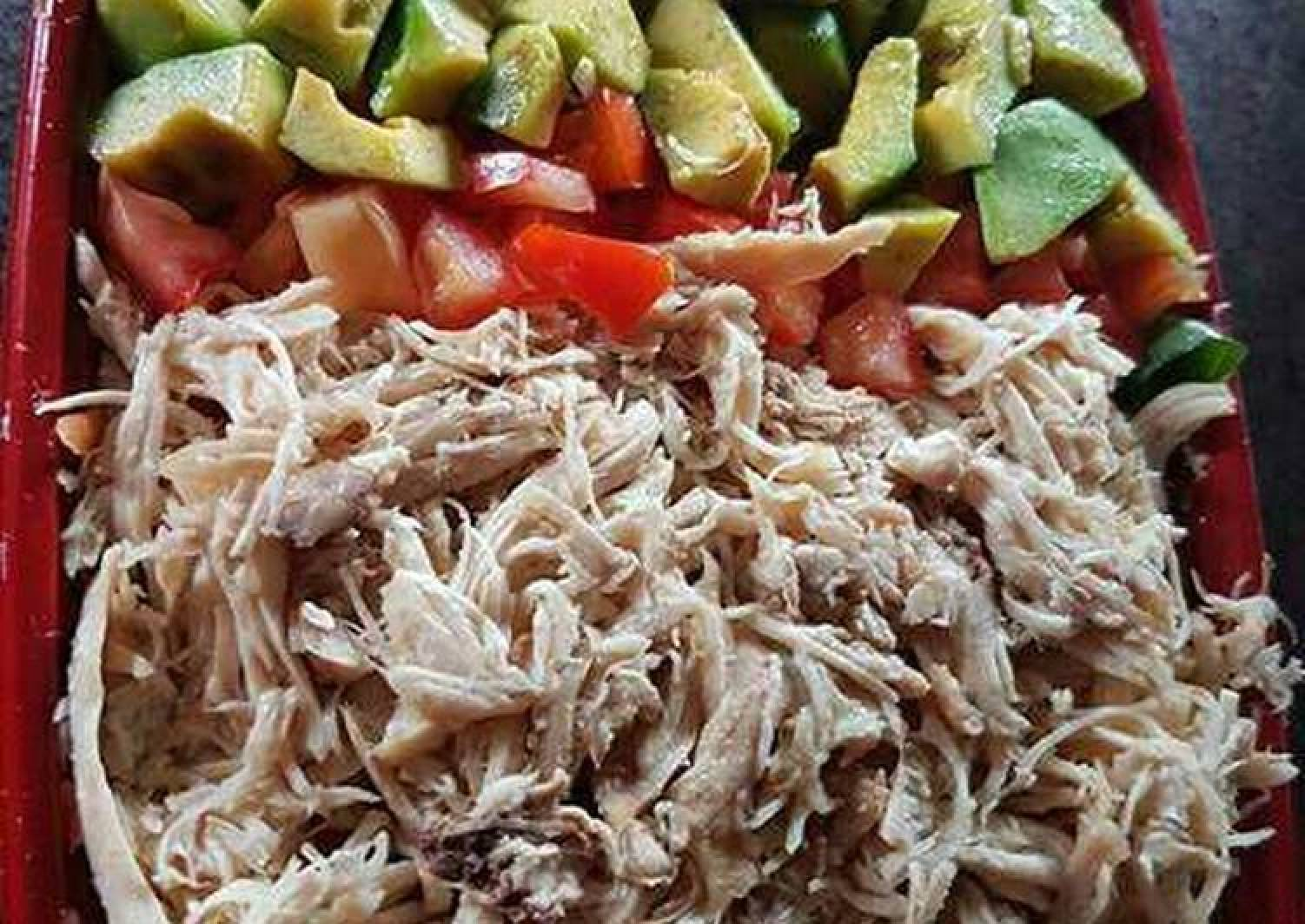 Simple Chicken and Avocade salad with honey lime dressing