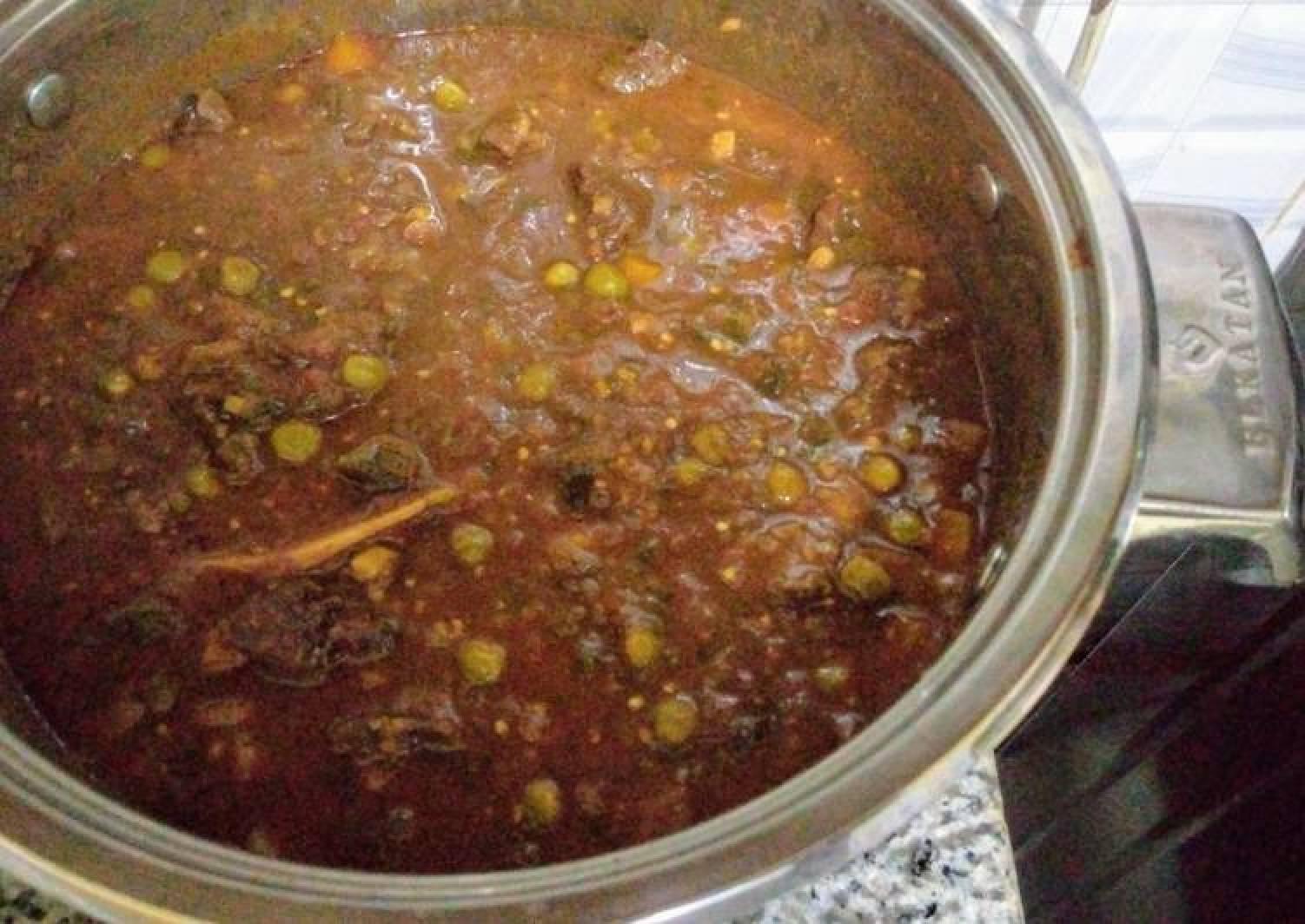 Beef stew with graden peas