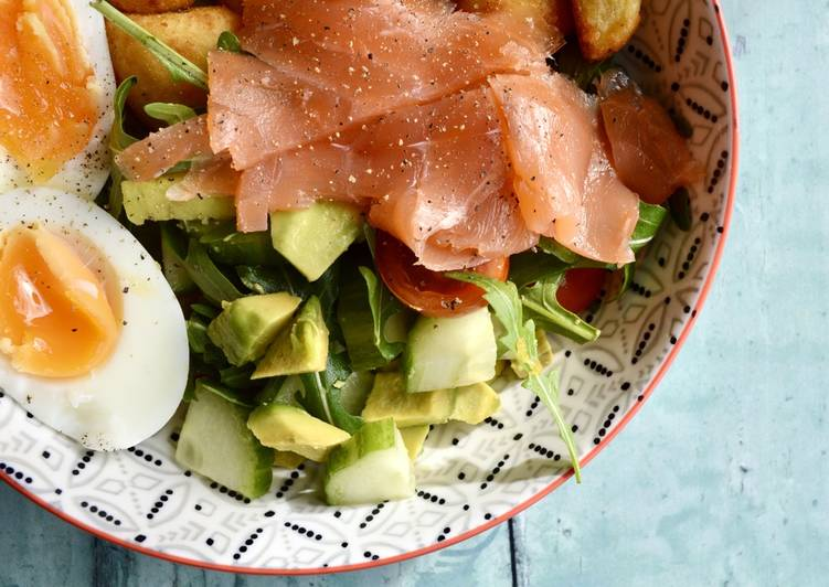 Smoked Salmon Salad Bowls