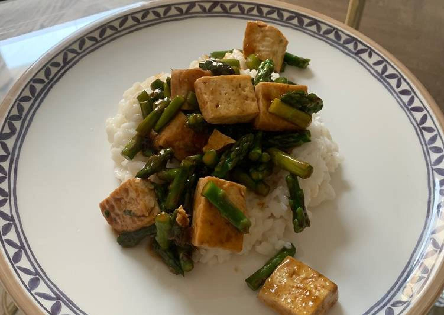Tofu and Asparagus in Teriyaki sauce