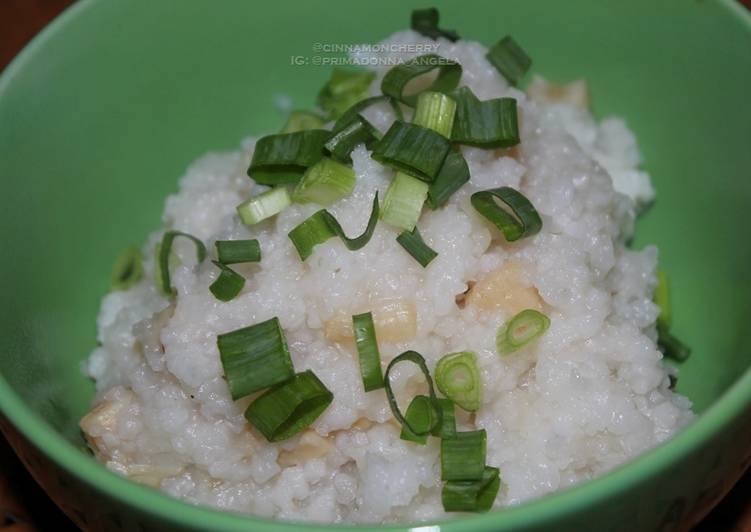 Scallop Porridge Made in Slow Cooker
