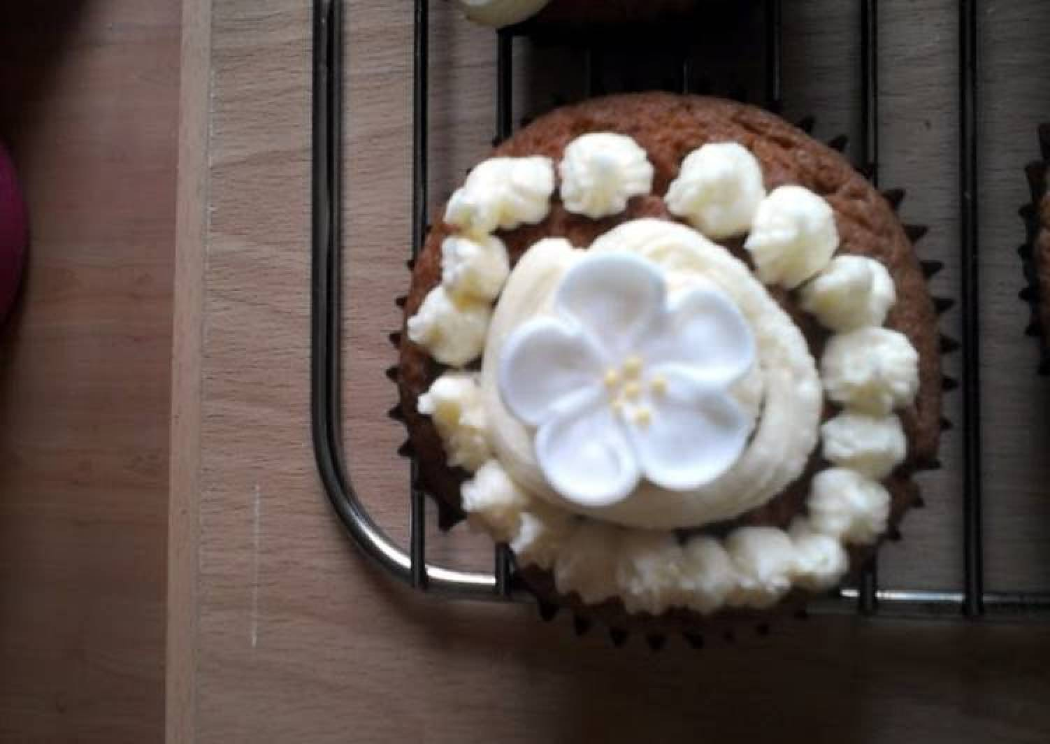 yum yum cupcakes from out of this uh…fridge