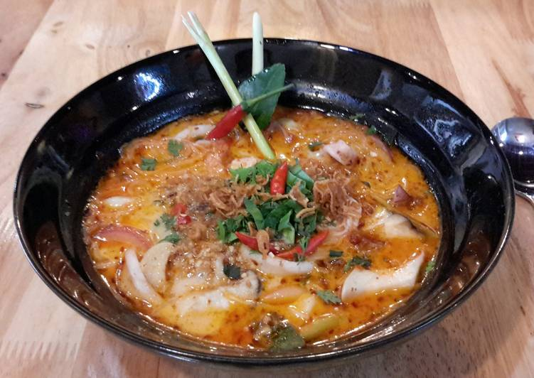Quick Spicy Seafood Noodles