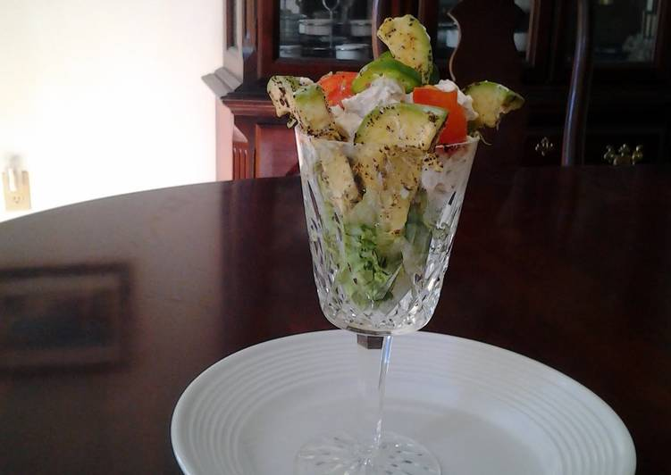 "Spicy Avocado Chicken Salad ""Cocktail"""