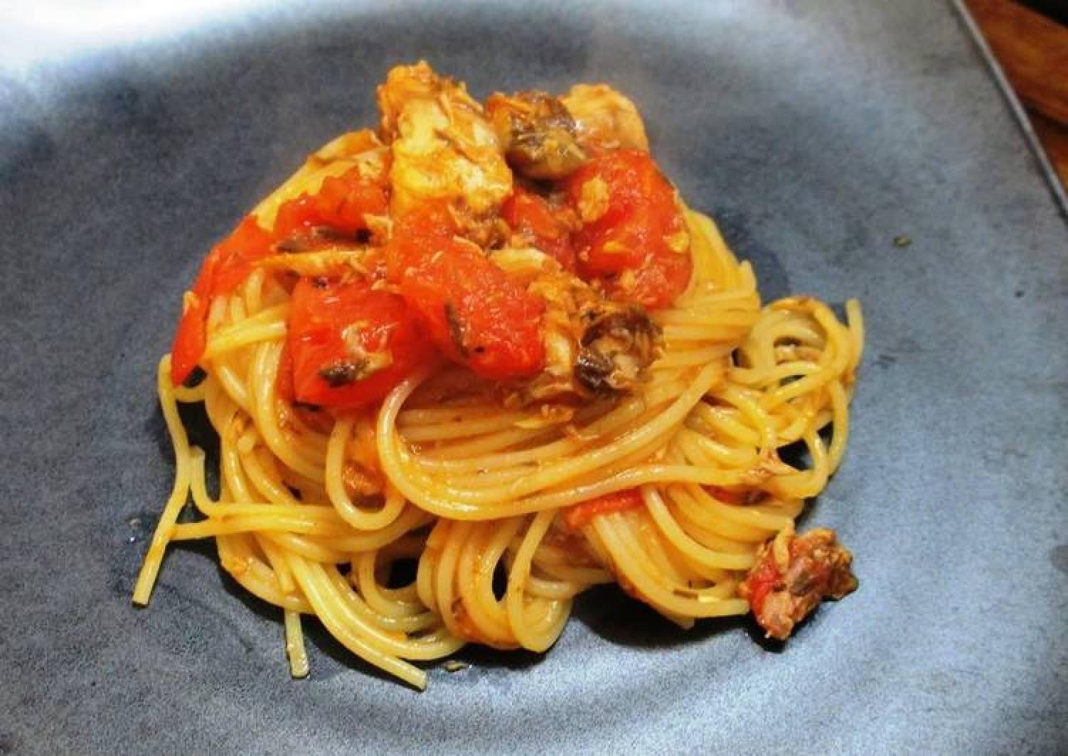 Super Quick Canned Boiled Mackerel & Tomato Spaghetti