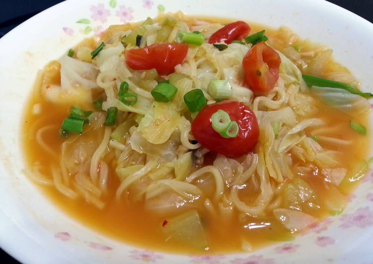 Cabbage And Tomato In Noodle Soup