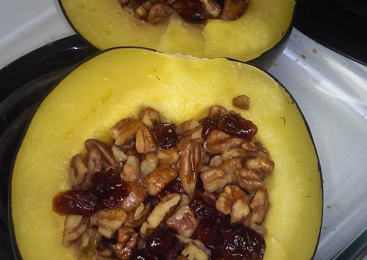 Easy, Baked Cranberry-Pecan Acorn Squash