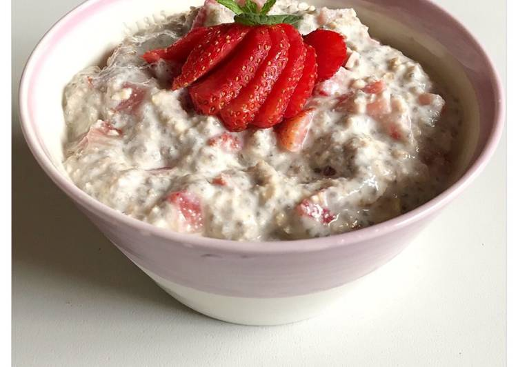 How to Prepare Perfect Strawberry Cheesecake Overnight Oats
