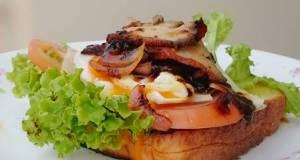 Black Pepper Roasted Pork And Egg Sandwich