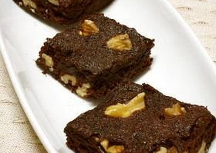 Microwave Brownies Made in a Silicone Steamer Case