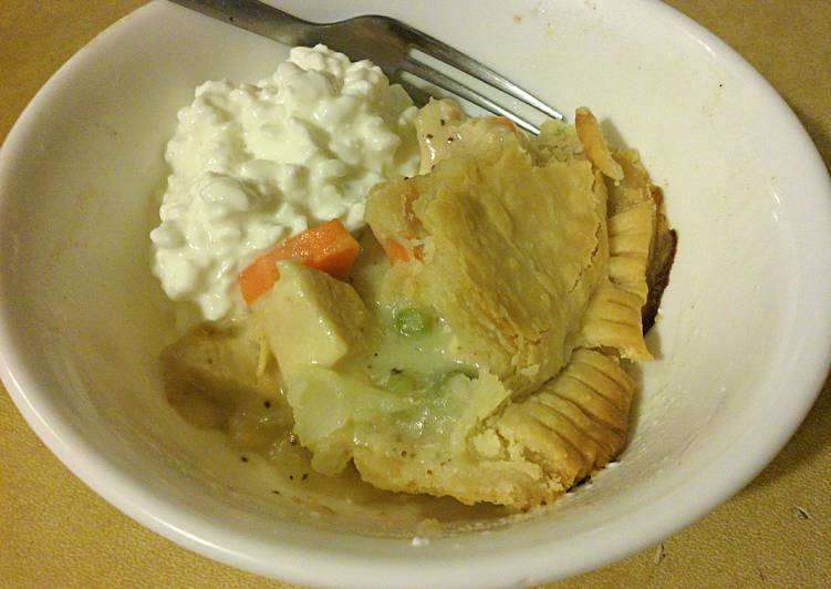 Simple Classic Chicken Pot Pie