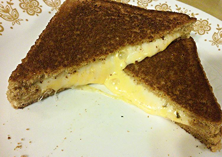 PheNOMenal Grilled Cheese