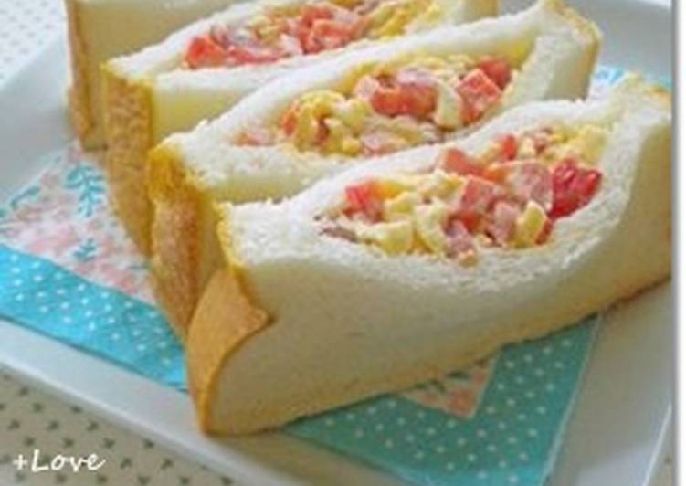 Red Bell Pepper and Egg Sandwich
