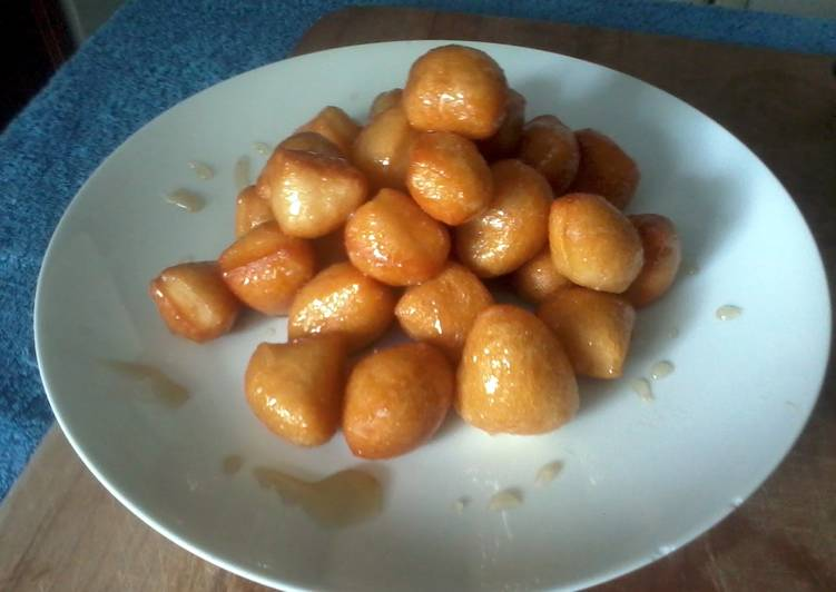Easy Homemade Donut Holes