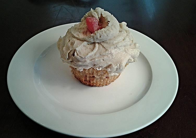 Cinnamon Sugar Ripple Cupcakes with Cinnamon Buttercream Frosting