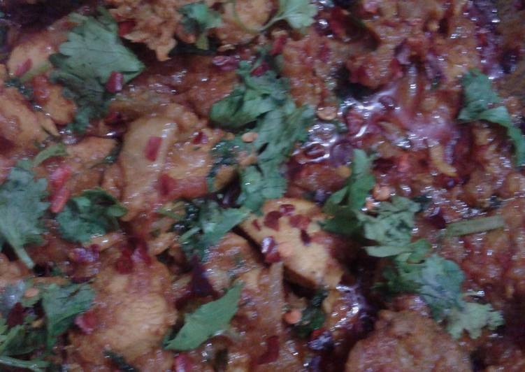 Indian spicy chicken with potato
