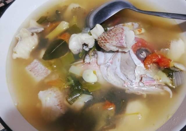 Sup ikan kakap merah kuah asam