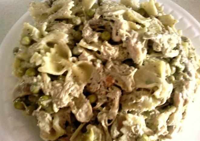 Creamy Chicken Pesto & Bowtie Pasta from Philadelphia Cooking Creme