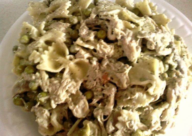Creamy Chicken Pesto & Bowtie Pasta from Philadelphia Cooking Creme