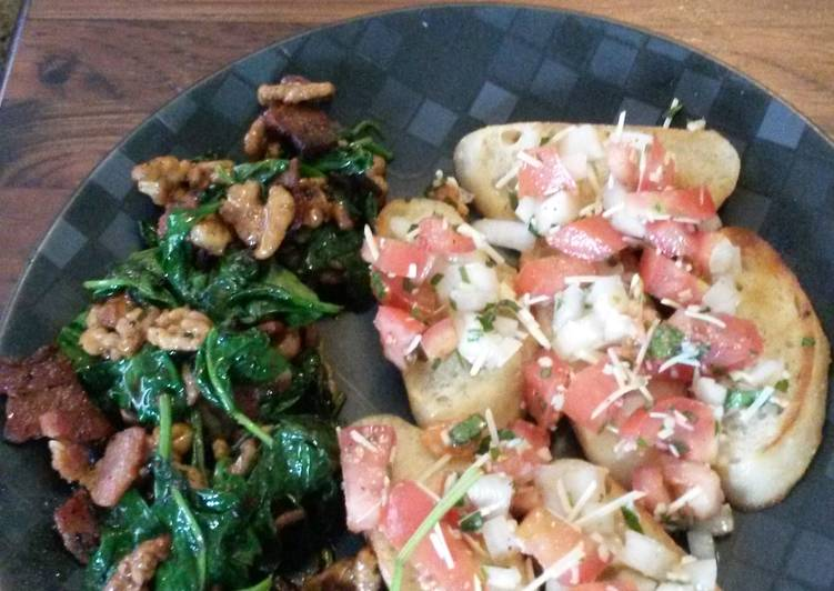 Spinach and bacon salad with bruschetta