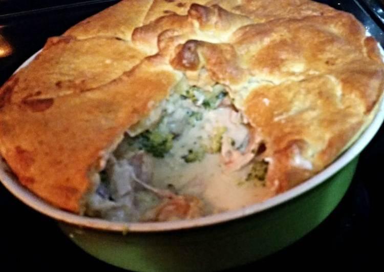 Chicken pot pie Mornay