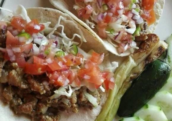 Tacos de Chicharrón en salsa verde