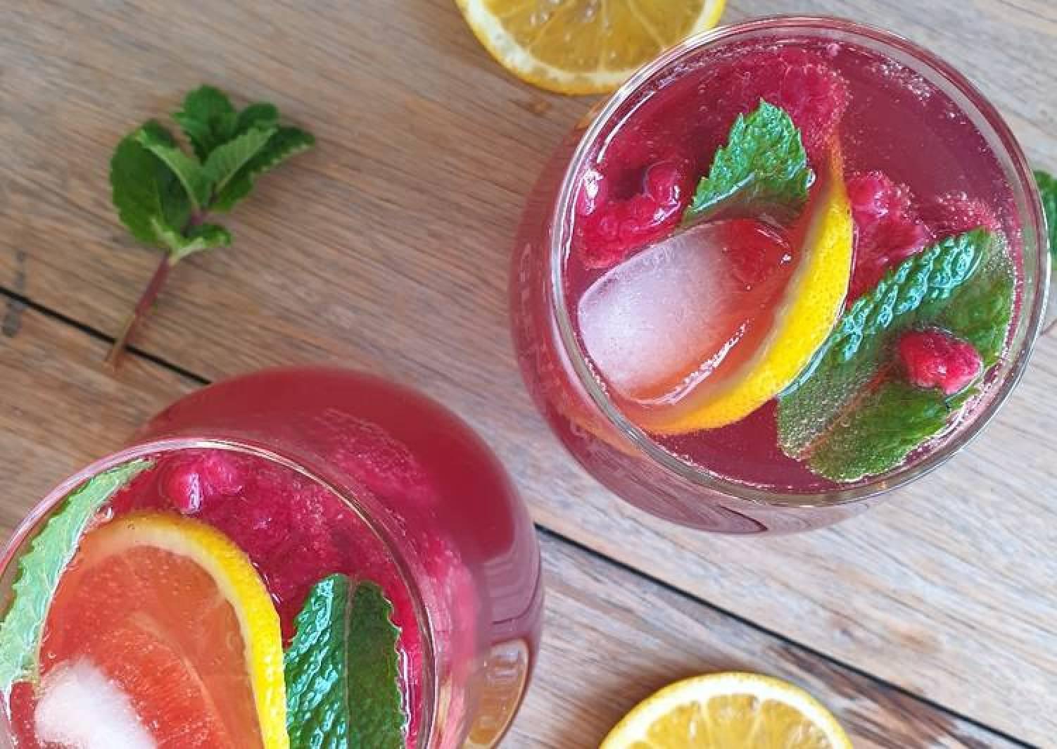 Berry, lemonade, ginger ale and vodka punch