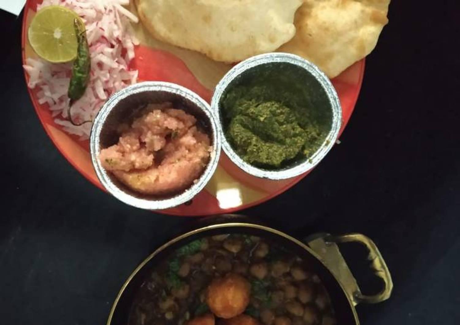 Punjabi chole bhature