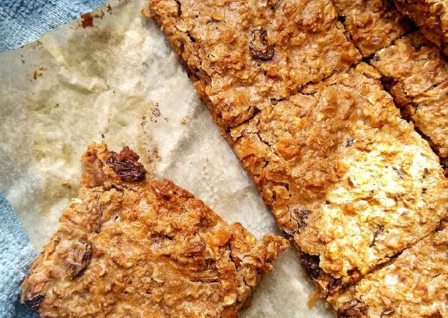 Carrot & Walnut Oat Bars
