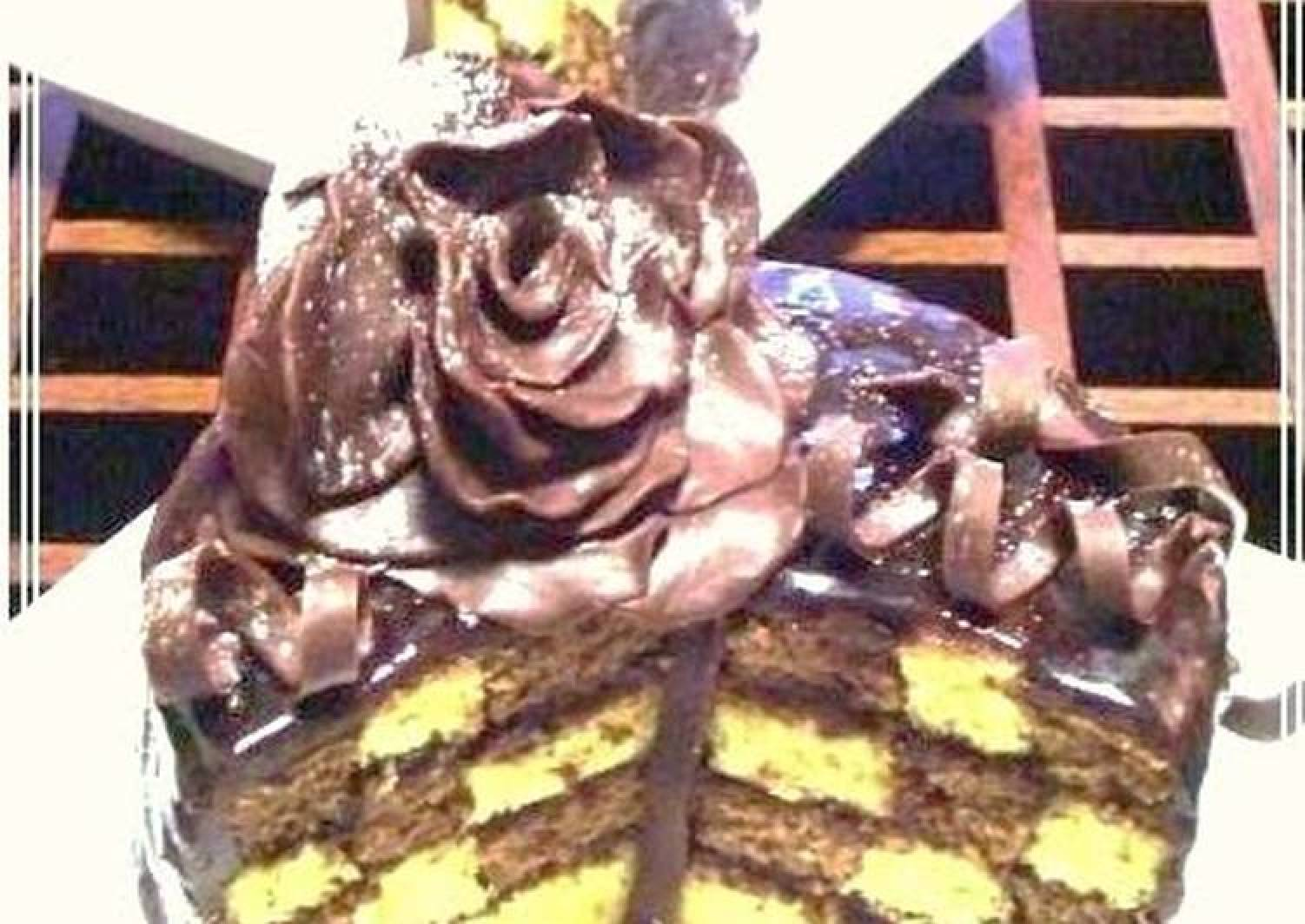 Amore Mio ~ Blossoming Roses~ Damie Fresh Chocolate Cake For Valentine's
