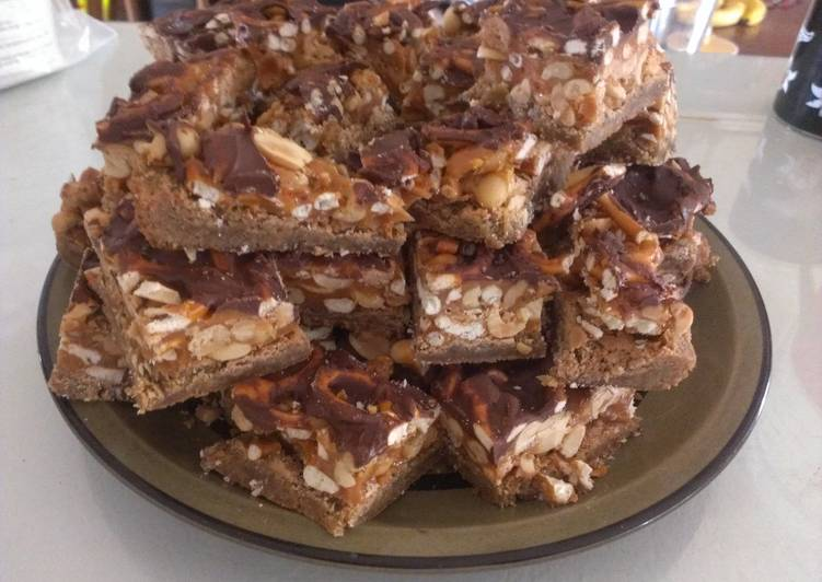 Salty Carmel Peanut & Pretzel Bars